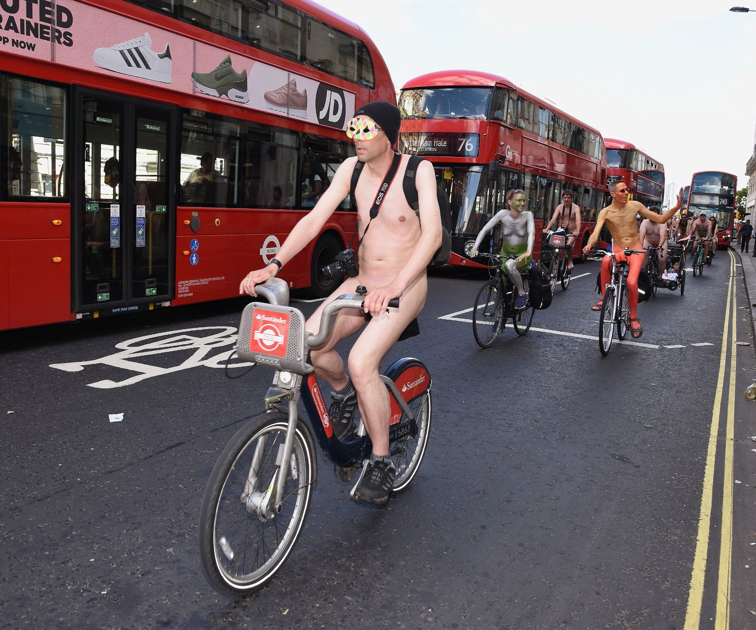 World-Naked-Bike-Ride-London(mirror)